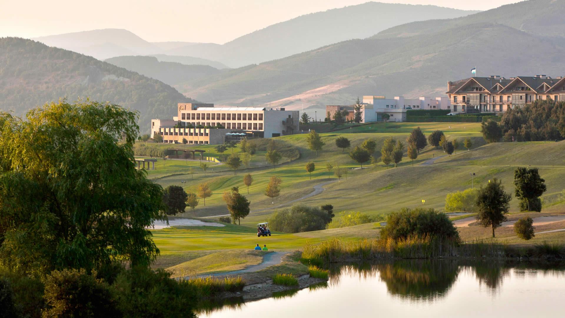 hotel con campo de golf:
